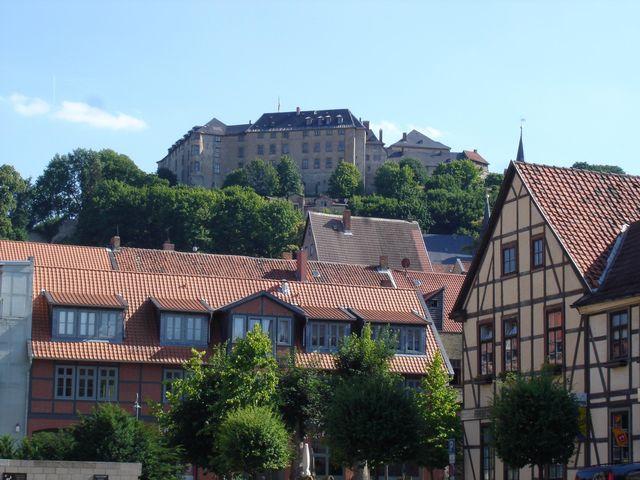 Blick aus Blankenburg hinauf zum Schloss.