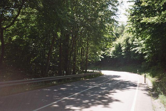Kurve in der Abfahrt nach Süden.