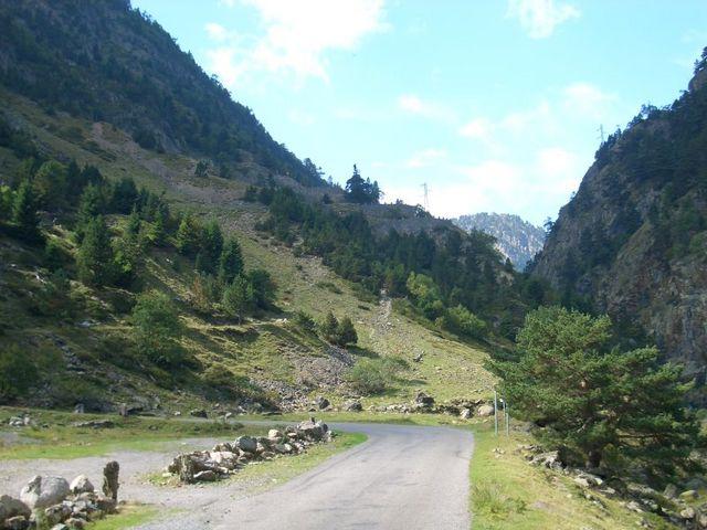 - Lac d'Aumar - Blick zu den übereinandergestapelten Kehren.
