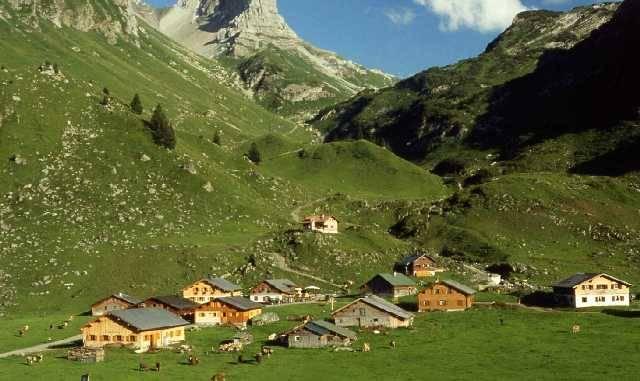 Die romantisch gelegene Laguz-Alpe