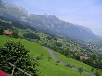 Im unteren Teil der Ostrampe von Grabs, Blick Richtung Nord.