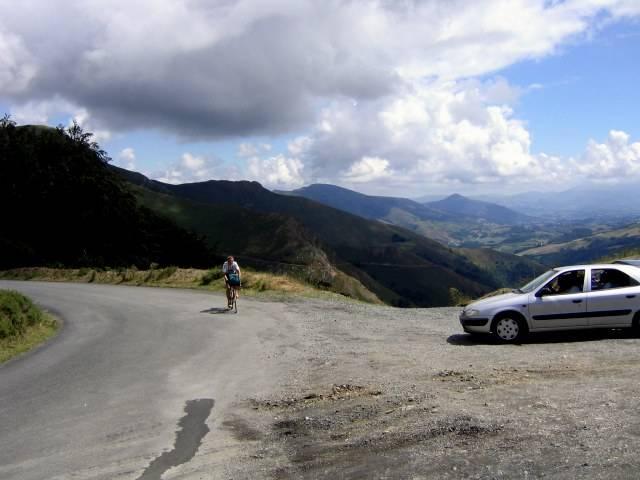 Kurz vo dem Col d'Ispegui