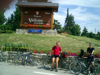 Der Col du Telegraphe ist der erste Tour-de-France-Berg. Ab hier gibt es jede Menge Rennradfahrer.Senza Fine 2003Manfred Schneider