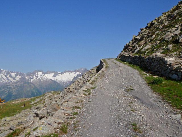 01 im obersten Teil zum Stöckli(2440m) eine Fahrt in den Velo-Himmel, 10.7.10.