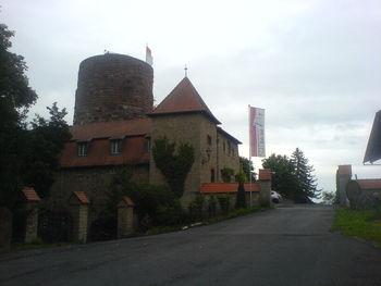 Burg mit Bergfried