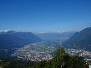 01 Monti di Ravecchia, Blick bis zu den 4000ern im Wallis, 19.8.10.