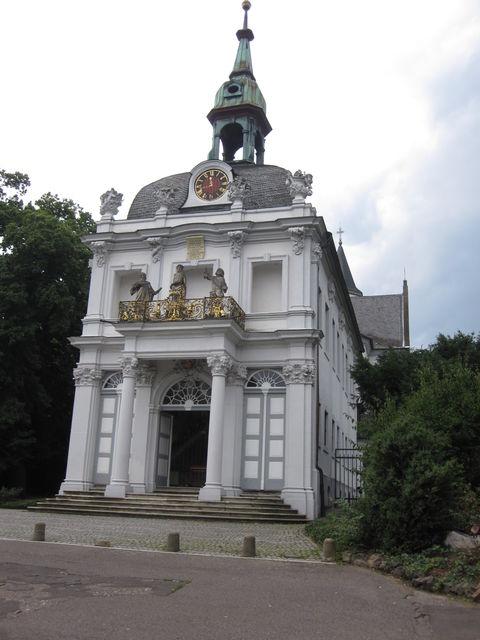 Die Wallfahrtskirche auf dem Kreuzberg im Bonner Westen.