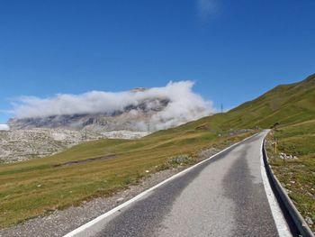 Sanetschhorn(2924m) in Wolken.