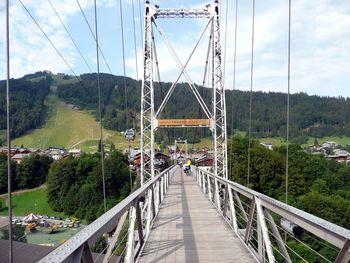 Morzine, neue Hängebrücke über das Dranse-Tal