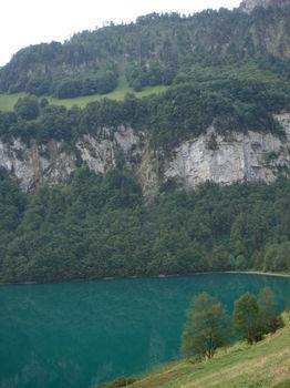 """Der See auf dem """"Seelisberg"""". Ein richtiges Drachenauge, nicht?"""