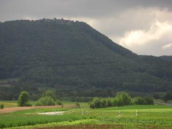 In der Bildmitte ist der Verlauf der Bissinger Steige unterhalb des Breitensteins zu erkennen.