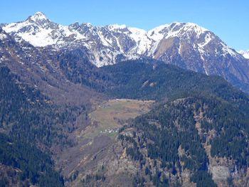 Route zur Alpe Piota über Gribbio(unten) und Garlengo(oben), 9.4.11.