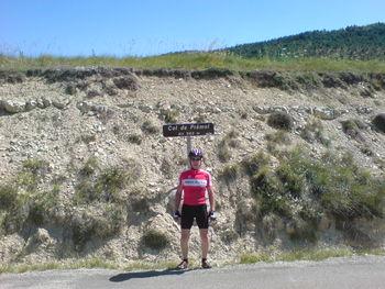 Der Rote Bulle am Col de Prémol