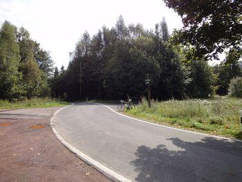 Passhöhe mit Blick Richtung Abfahrt nach Hirschbach.
