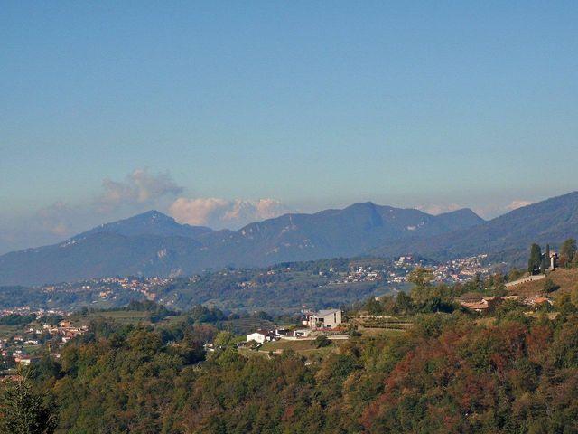 oberhalb Castel San Pietro, hinten Monte Rosa.