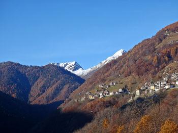 Comologno(rechts), Spruga(links), 14.11.11.