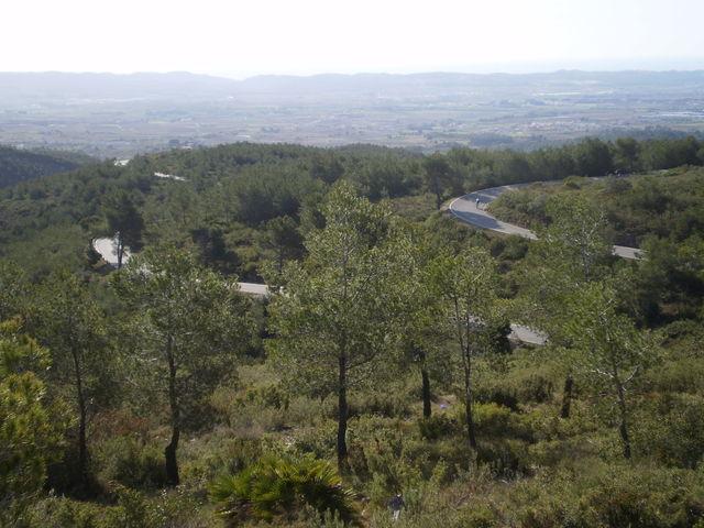 Südanfahrt: Tolle Streckenführung und weite Aussicht.