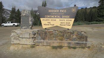 Passhöhe und Wasserscheide zwischen Atlantik und Pazifik