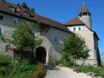 Die Burgeinfahrt.