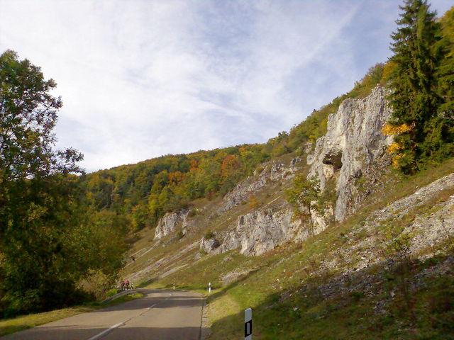 Felsen etwas tiefer im LAutertal