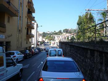 Ungemütlicher Verkehr in Menton