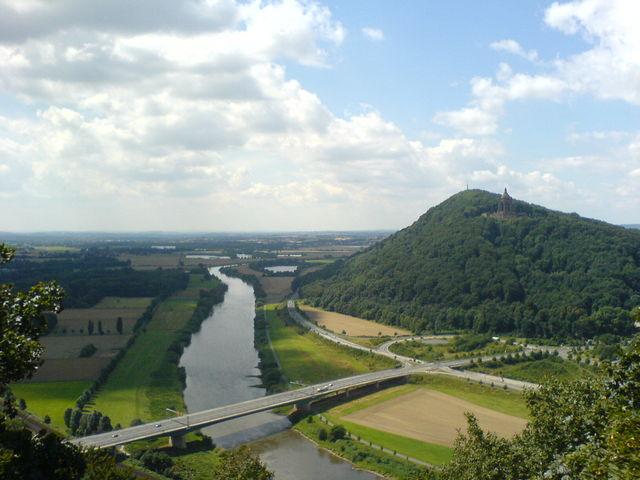 Ausblick vom gegen�berliegenden Jakobsberg.