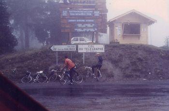 Col du Telegraphe im Regen und Nebel