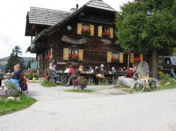 Da is sie, die Hütte von Lammersdorf.