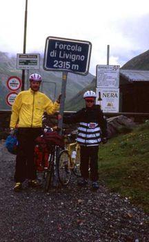 Im Regenwetter auf dem Forcola di Livigno