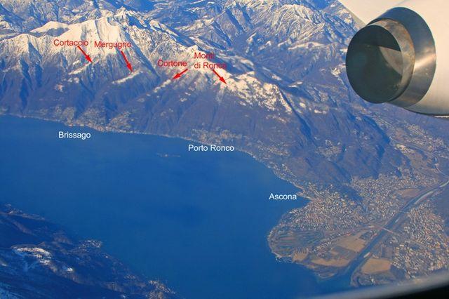 01 Überblick von Monti di Ronco und den 3 Brissago Auffahrten aus dem Flieger Lugano - Zürich, 24.02.2009