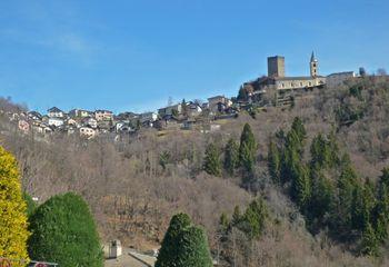 07 erster Anblick von Santa Maria in Calanca, 18.03.09.