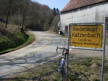 Ortsschild Katzenbach.