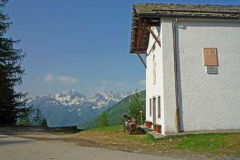 00 die Alpe San Bernardo, 1620m.
