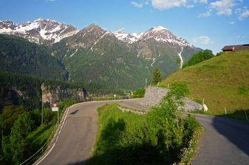 00 Beginn der oberen 11% steilen Hälfte auf dem Weg nach Predelp (1740m).