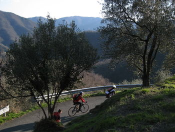 Aufstieg Richtung Passo della Camilla. (März 2009)