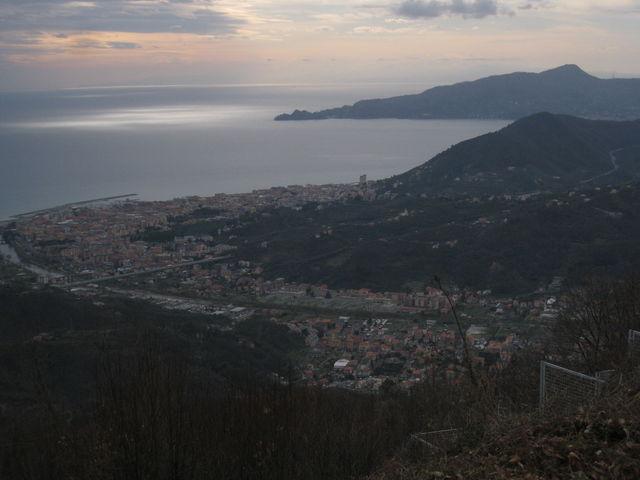 Blick vom Monte [[Monte San Giacomo|paesse|monte-san-giacomo]] am späten Nachmittag. (März 2009)