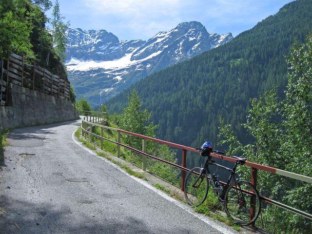 00 prächtiger Blick auf den imposanten Torrone Alto (2952 m), Val Pontirone, 18.06.09.