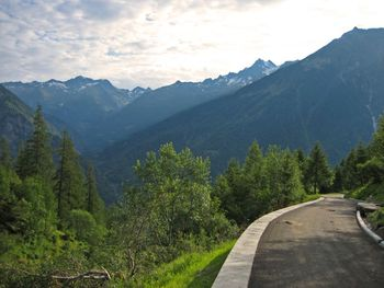 00 Auffahrt zur Alpe Brunescio, Blick Richtung Fusio, 11.07.09.