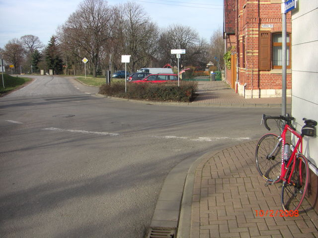 Beginn der Pflasterstrecke in Ringleben.