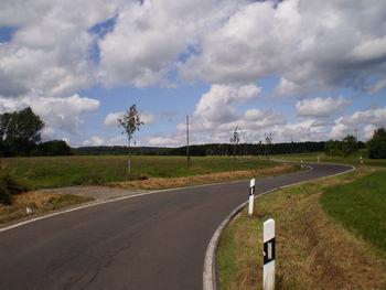 Der weite Himmel hinter Winterbach.