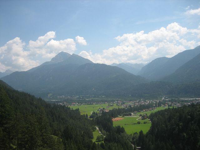 Blick vom Gaichtpass über Weissenbach / Lech