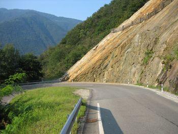 02 die 2. Kehre von Grono hinauf ins Val Calanca.