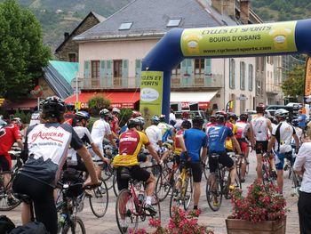 Start nach L'Alpe d'Huez.