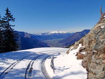 01 Ausblick von Prepianto auf Monte Tamaro und Magadino Ebene, 6.4.10 .
