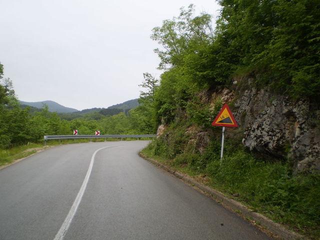Auf der Hauptstraße wird es auch steiler.