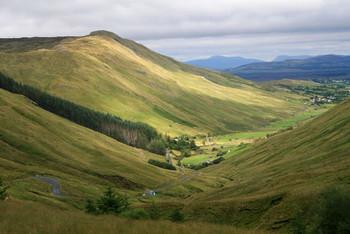 Blick vom Genglesh Pass auf die Nordostanfahrt.