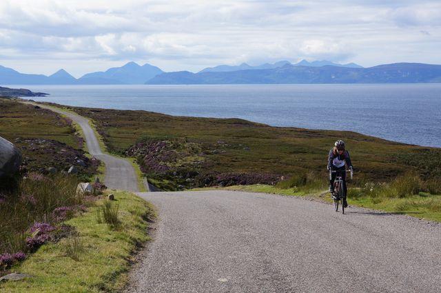 Hinten die Berge der Isles of Skye.