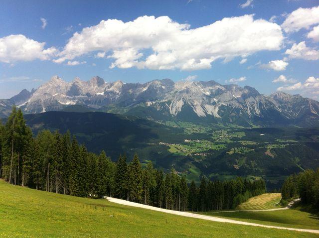 Panorama - Ramsau und Dachstein-Suedwand.