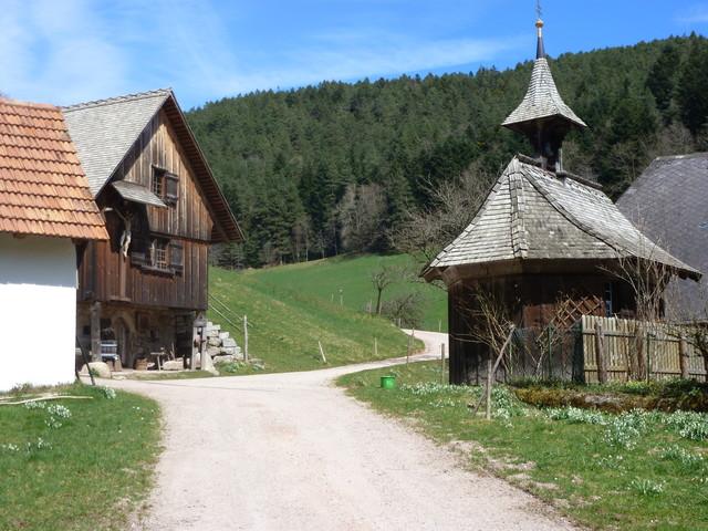 Hofkapelle und Speicher