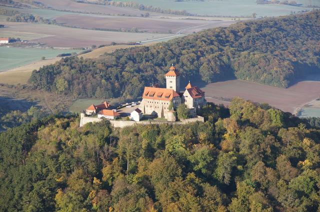 Die Wachsenburg aus dem Ballon im Oktober 2011.